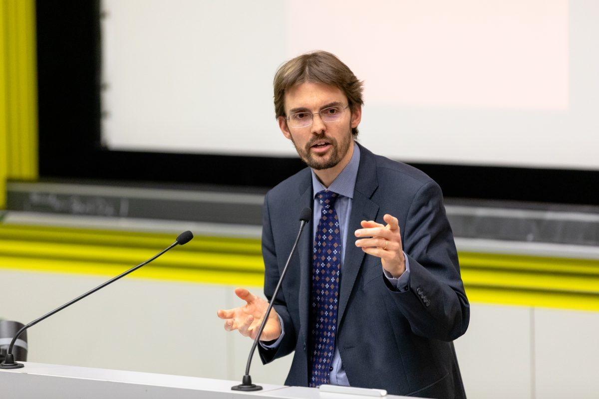 Academic: Frédéric Bernard